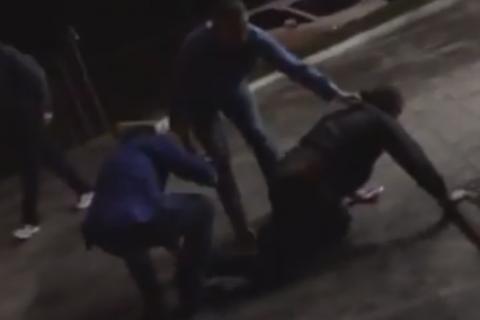 УКиєві охоронці АТБ жорстоко побили людину