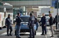 В Брюсселе полиция применила водометы для разгона ультраправых