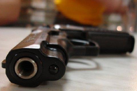 ВТернопольской области чиновник вбаре выстрелил вмужчину