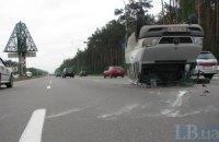 Через аварію на виїзді з Києва утворився величезний затор
