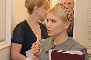 Тимошенко желает Януковичу без ошибок зачитать послание в ВР