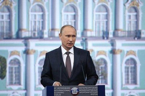 Путин потребовал от Украины выполнять политические пункты Минска-2, несмотря на обстрелы