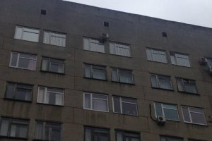 Тимошенко оградили от мира непрозрачными окнами
