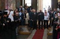 Турчинов, Яценюк и Бондаренко помолились за Украину