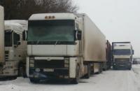 Из-за снегопада в Киев закрывают въезд фур