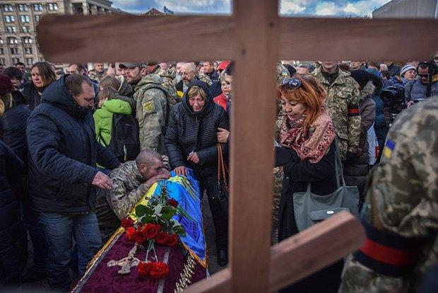 НаМайдане простились с 2-мя погибшими солдатами АТО