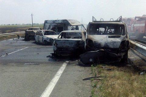 Три человека погибли пять машин сгорели из-за ДТП на трассе Киев- Одесса