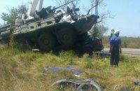 В Крыму в колонну российской бронетехники врезался легковой автомобиль