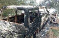 Контрабандисты сожгли микроавтобус с сигаретами, убегая от пограничников