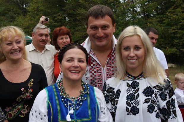 """На фестивале """" Поющие террасы"""" с Ниной и Антониной Матвиенко"""