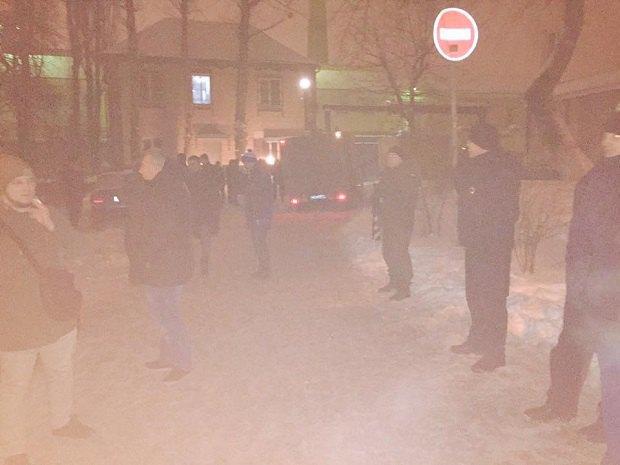 Волонтёр: «Торнадовцы» напали наохрану Лукьяновского СИЗО