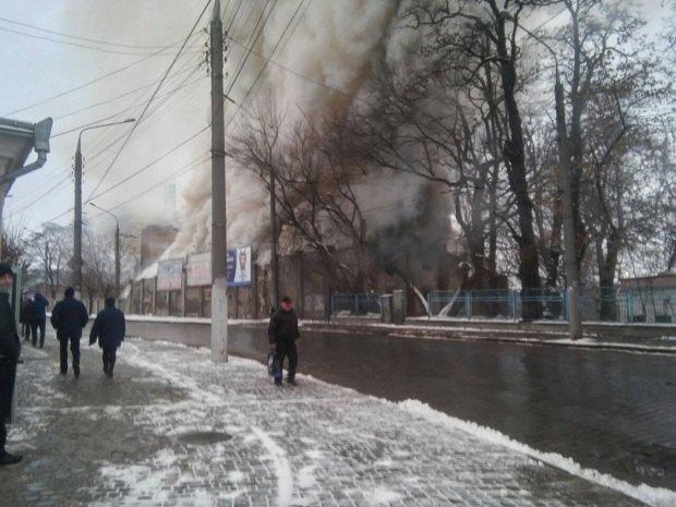 Появилось видео пожара напивзаводе вЧерновцах