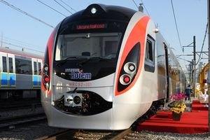 """В """"Укрзалізниці"""" кажуть про велику популярність поїздів Hyundai"""