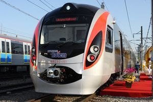 Колесніков повважав благодійними ціни на проїзд у потягах Hyundai