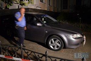 Неизвестные обстреляли автомобиль замминистра образования (Обновлено, добавлены фото)
