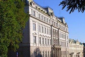Львовские депутаты требуют убрать рекламу Таможенного союза