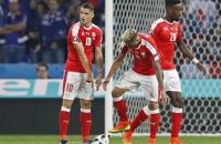 Во время матча Швейцарии с Францией порвали мяч и четыре футболки