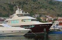 Син Януковича приплив на ювілей батька на яхті «Бандіт»?