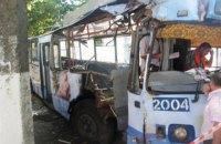 В Одессе троллейбус с людьми врезался в дерево