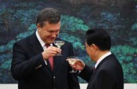 Янукович в ближайшее время посетит Китай