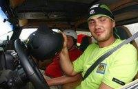 Януковичу-младшему обеспечивают в гонках все удобства