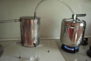 Народу не разрешили варить самогон