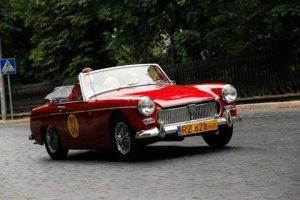 Во Львове прошли гонки ретро-автомобилей