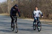 Кличко на велосипеде проинспектировал Труханов остров