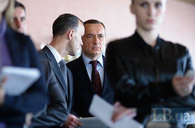 Мартыненко, кажется, вживается в роль «серого кардинала оппозиции»