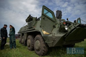 В СНБО обещают тысячу новых БТРов для армии
