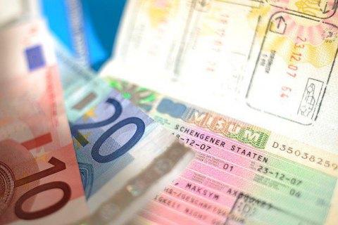 Почему посольства Греции и Италии все чаще отказывают украинцам в визах