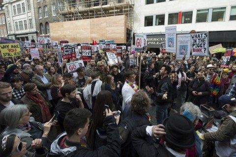 """В Лондоне прошел митинг за отставку премьера из-за """"Панамских документов"""""""