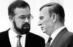 Между Табачником и Кучмой Янукович выбрал Кучму