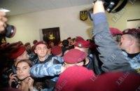 """""""Репортеры без границ"""": милиция нарушила права журналистов в суде над Тимошенко"""