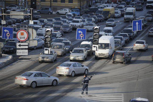 З приходом морозів автомобілів на дорозі меншає через неякісне пальне