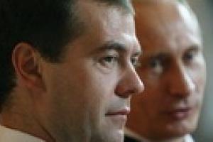 Медведев не намерен увольнять кабинет Путина, чтобы что-то доказать
