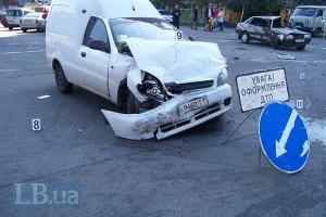 В Киеве при столкновении двух машин погибла женщина