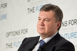 Янукович признался, что с трудом собрал детский конструктор для сына