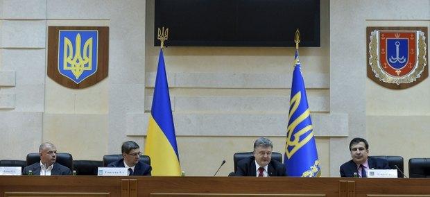Слева направо: Игорь Палица, Виталий Ковальчук, Петр Порошенко, Михаил Саакашвили