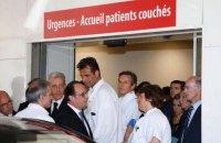 """Олланд: 50 раненых в Ницце находятся """"на грани жизни и смерти"""""""