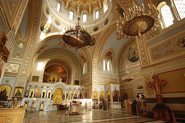 Внутреннее убранство Свято-Владимирского собора
