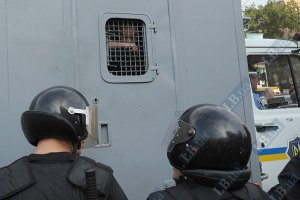 За Тимошенко приехал автозак