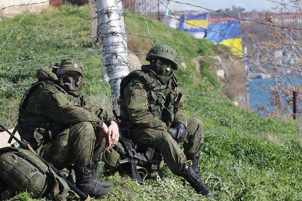 Российские военные блокируют украинскую военную часть в Севастополе