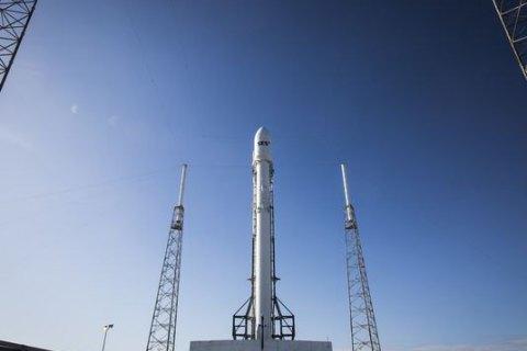 Запуск ракеты Falcon 9 перенесли в третий раз