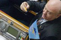 Не прошло и три недели, как Киселев признался: Янукович его снова любит