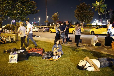 Двое пострадавших в результате теракта в Стамбуле украинцев выписаны из больниц