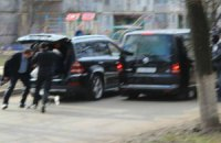 Появились фото побега Добкина после съезда депутатов
