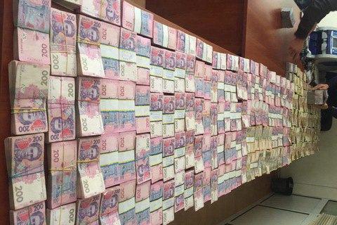 Прокуратура проводит обыски упричастных кнезаконному обмену валют
