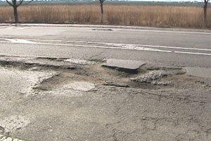 Азаров не видел апокалипсиса на новых дорогах
