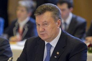 Янукович поддерживает заграничные командировки губернаторов
